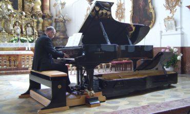 Il celebre organista tedesco Johannes Skudlik in concerto al teatro Cucinelli di Solomeo