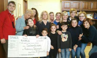 """Dal centro Alzheimer """"Il Girasole"""" seicento euro per la Fondazione Tettamanti"""