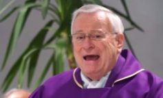 Papa Francesco conferma il cardinale arcivescovo Gualtiero Bassetti alla guida dell'Archidiocesi