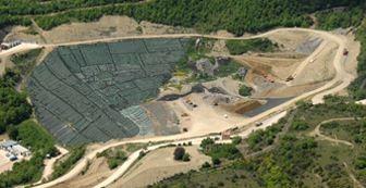 Ambiente, combattiva assemblea dell'Osservatorio Borgogiglione sui progetti di bioraffineria e di ampliamento della discarica