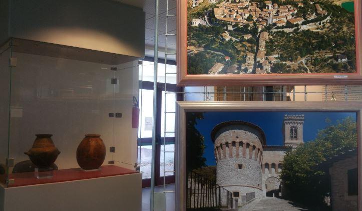 """L'Umbria dall'alto si può vedere anche a Corciano: prorogata la mostra """"La Vista e la Visione"""""""