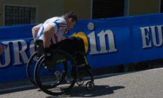 L'impresa di Luca Panichi: in carrozzina scala la montagna di Pantani