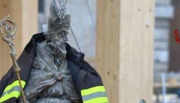 """""""Una mano la do anch'io"""": dieci artisti non professionisti si esibiscono per aiutare Norcia terremotata"""