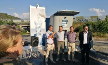 """Taglio del nastro per la nuova fontanella a Ellera di Corciano, Betti: """"Importanti anche per socializzare"""""""
