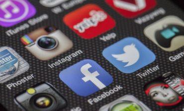 Estate: Facebook e Instagram, come condividere in sicurezza