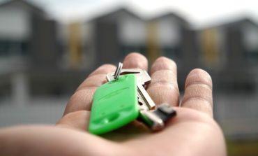 """Casa occupata da cinque sconosciuti: le disavventure di due anziani """"squattati"""" a San Mariano"""
