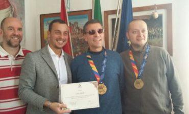 Corciano premia Luca Aiello, atleta non vedente che ha corso la maratona di New York