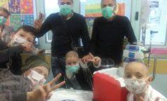 L'Abbraccio porta i doni di Natale ai bambini del reparto di oncoematologia pediatrica