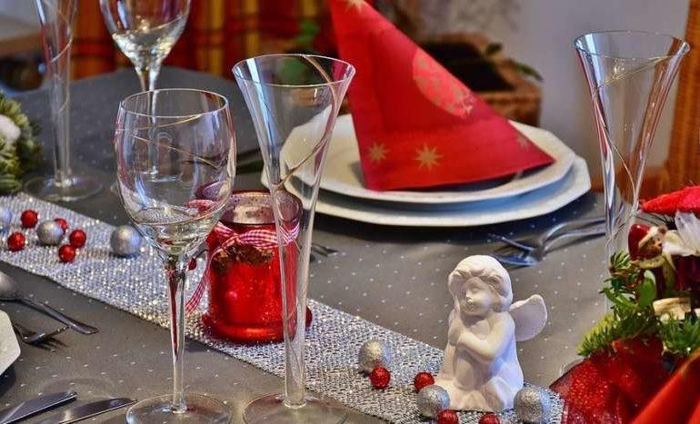 Natale, Codacons: gli italiani spenderanno 3 miliardi di euro per imbandire la tavola
