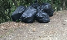 Ancora rifiuti abbandonati sul colle della Trinità
