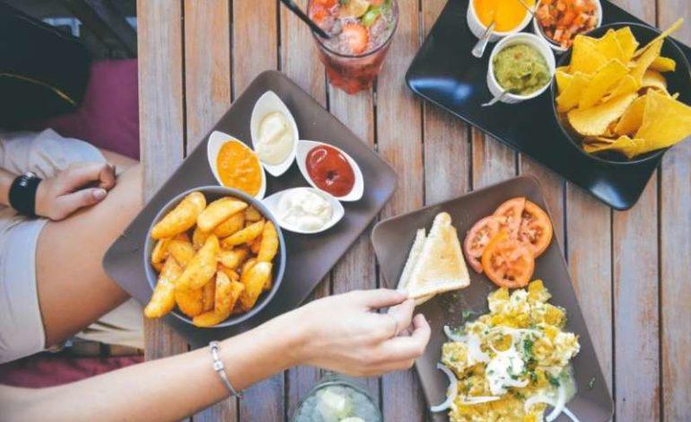 I nostri soldi: in Umbria consumi fuori casa ancora in crisi ma crescono quelli alimentari