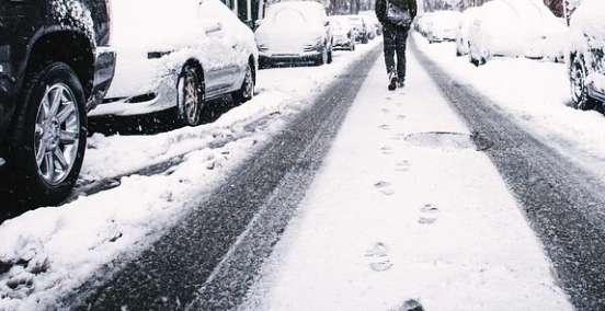 buran gelo maltempo neve scuole cronaca
