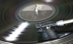 Al Quasar Village l'onda della musica con Roberta di Mario e la fiera del disco