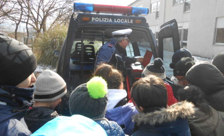 educazione polizia ragazzi scuola corciano-centro cronaca mantignana