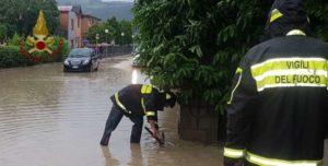 allagamenti emergenza meteo pioggia vigili del fuoco cronaca mantignana