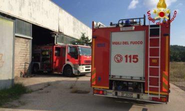 Incendio ad Ellera in uno stabilimento abbandonato