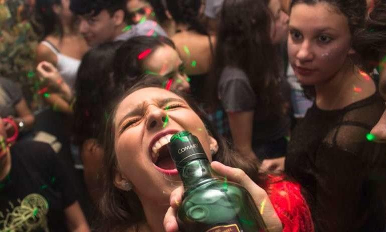Allarme alcol tra i giovani: in Umbria già a 11 anni in coma etilico