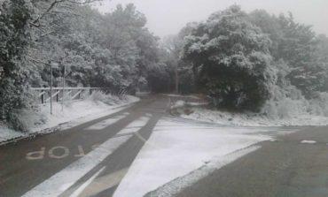 Prima neve anche a Corciano, il cantiere comunale già al lavoro