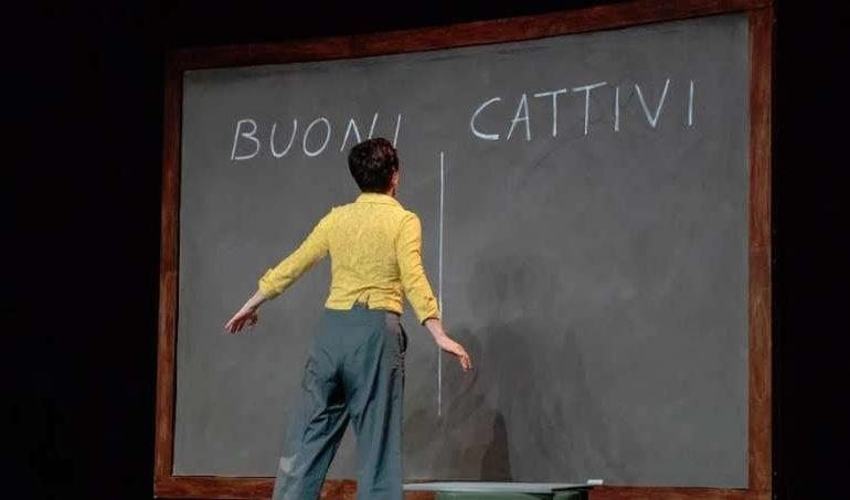 """""""Infanzia Felice"""": una fiaba per adulti al Teatro della Filarmonica"""