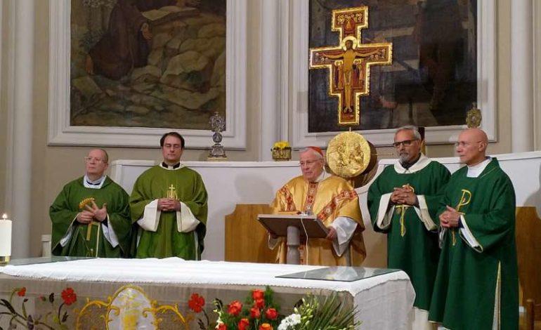 Riaperta ai fedeli la chiesa di Chiugiana, Don Fabio accoglie il Cardinale Gualtiero Bassetti