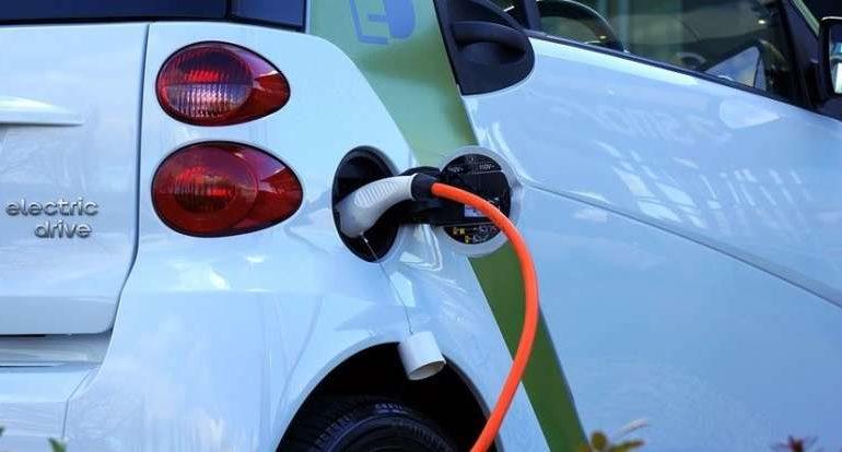 Auto elettriche: il Comune di Corciano dà l'ok alla rete di ricarica Enel