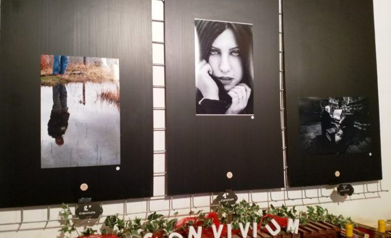 Ri-Tratti: premiate le migliori fotografie della mostra di Convivium