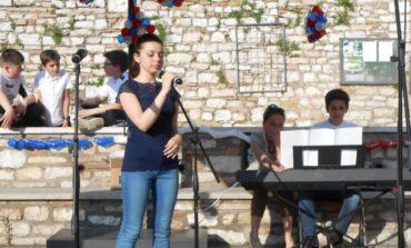 """Le français en chansons"", i ragazzi delle medie si sfidano cantando in francese"