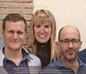 brunello cucinelli buzzfeed gq Jeff Bezos photoshop Silicon Valley cronaca solomeo