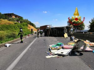 incidente raccordo Perugia Bettolle cronaca