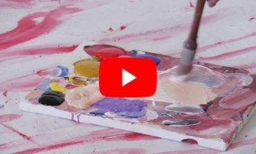 """Stendale: il prof. Gabriele Perretta presenta """"L'abbraccio delle muse"""" (VIDEO)"""