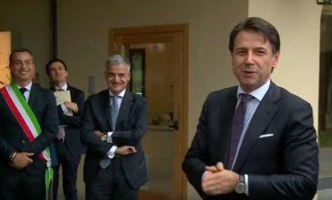 """Il premier Conte visita la fabbrica di Cucinelli a Solomeo: """"Un'impresa sapiens"""""""
