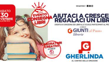 """Nella libreria Giunti consegna dei testi per il progetto """"Aiutaci a crescere, regalaci un libro!"""""""