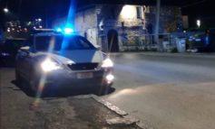 Ritrovo di pregiudicati e schiamazzi notturni: la Polizia chiude un bar