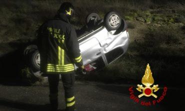 Auto si ribalta a Solomeo, ferito il conducente