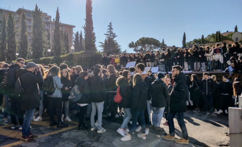 liceo scientifico alessi protesta scuola studenti glocal
