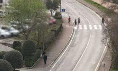 """""""È pieno di gente in giro a passeggio"""", i tanti dubbi su spostamenti e attività"""