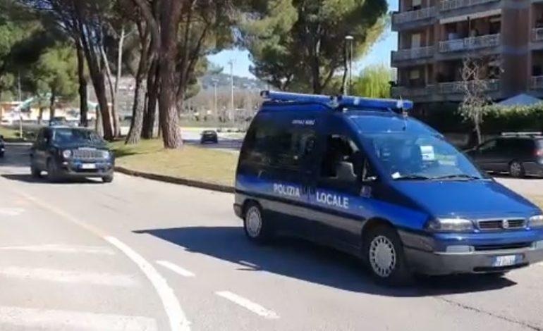carabinieri controlli coronavirus polizia locale cronaca
