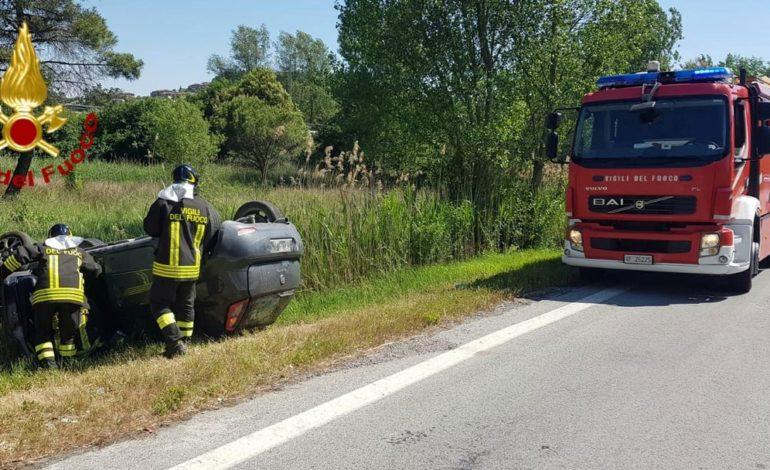 auto incidente vigili del fuoco cronaca