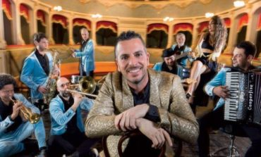 L'orchestra Casadei riparte dall'Umbria con la chitarra corcianese di Stefano Giugliarelli