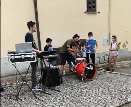 musica MusiCosmicaMente scuola scuola di musica castelvieto cronaca