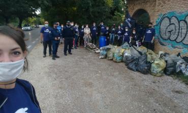 "Ambiente, raccolti da ""Plastic Free"" 400 kg di rifiuti in soli 700 metri"
