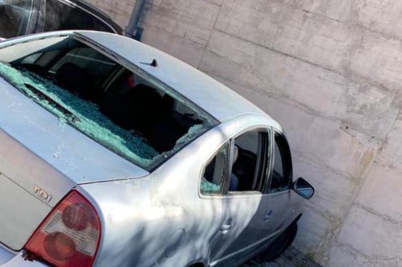 """Auto abbandonata da anni, Ripepi (M5S): """"Rimossa solo grazie alla polizia locale che ci ha ascoltato"""""""